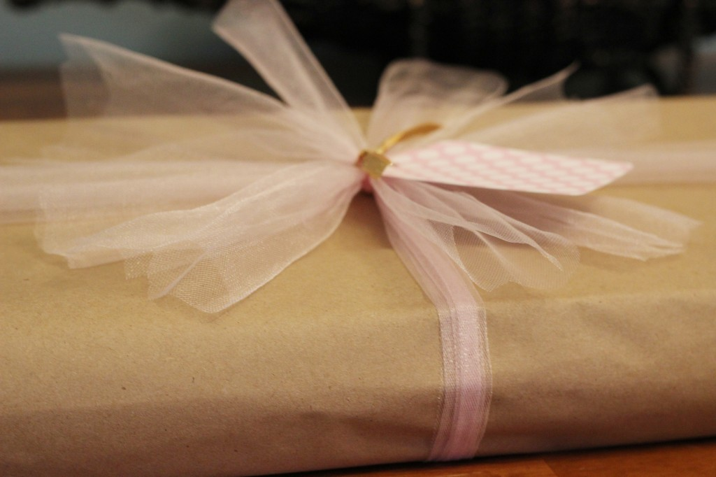 Tulle Bow Gift Wrap