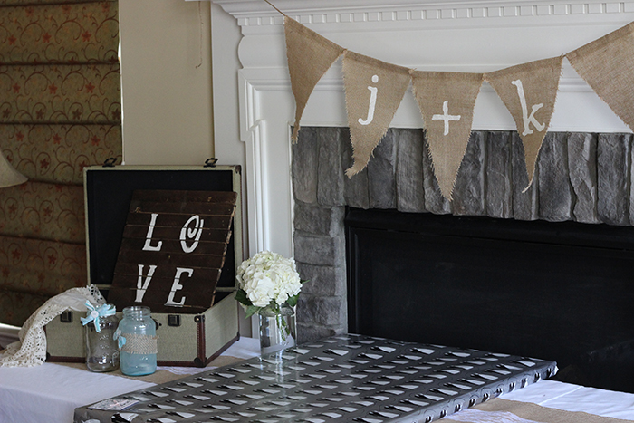 burlap bridal shower gift table
