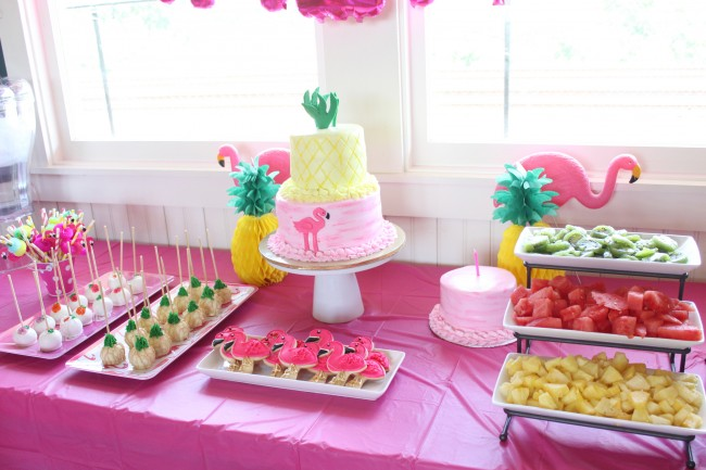 flamingo dessert table