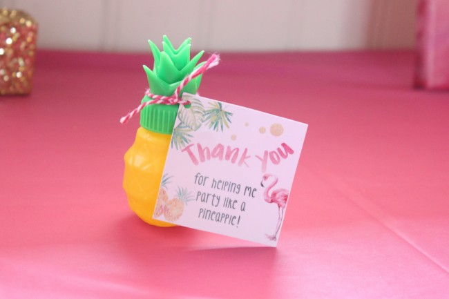 pineapple party favors